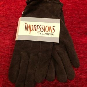 Isotoner brown leather gloves